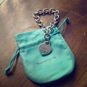 Tiffany bracelet with heart and blue enamel splash